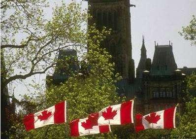申请加拿大留学前该怎么选校呢?即使有各大排名,但也是各有侧重点,让很多家长和同学在加拿大留学选校时依然纠结万分。