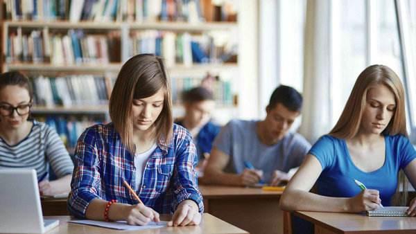 加拿大留学选课技巧,加拿大留学,加拿大大学选课,加拿大教育中心