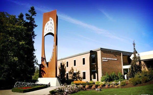 加拿大西三一大学 西三一大学本科专业 西三一大学硕士专业 加拿大教育中心 西三一大学推荐专业