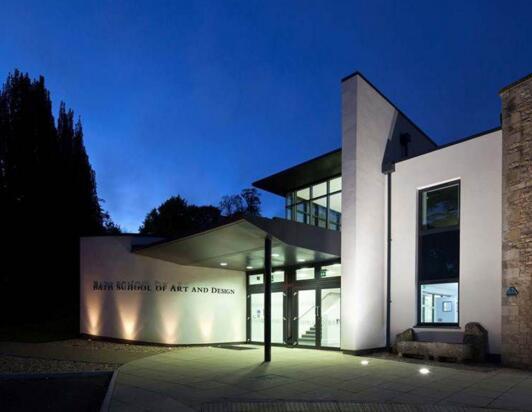 英国巴斯泉大学