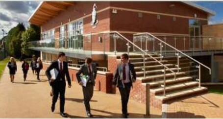 英国布罗姆斯中学