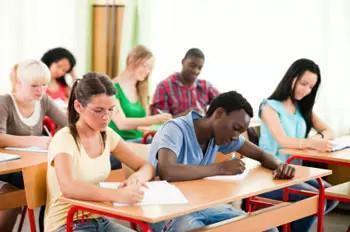 美国留学期间打工薪水标准