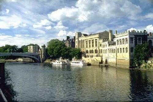 英国约克大学留学申请