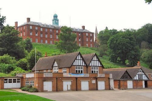 英国舒兹伯利中学