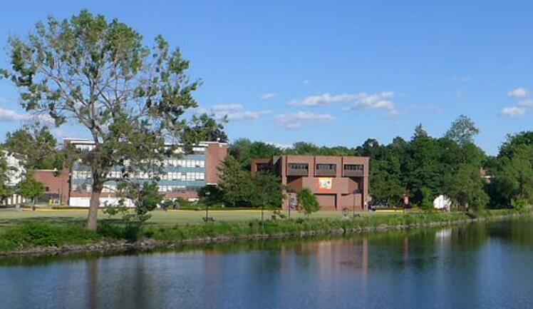 美国菲尔莱狄更斯大学