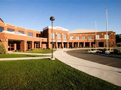 美国提供奖学金的高中院校