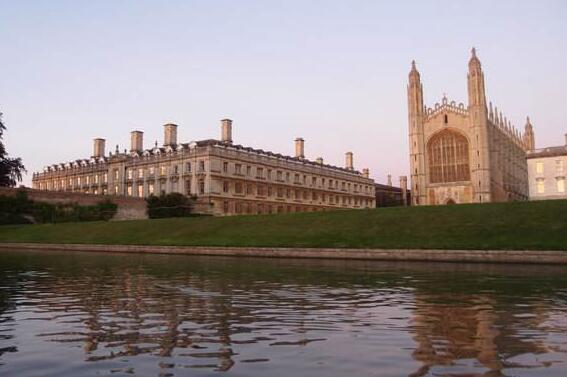 去英国留学女神们都学什么专业?