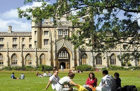注意︱英国大学offer还有区别?什么阶段最易拿到offer?