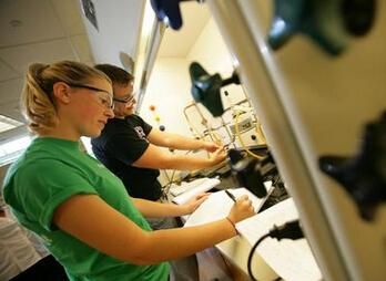 【当工作机会来敲门】美国大学CO-OP与INTERN入学分