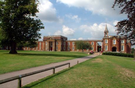 英国留学,出国留学,皇家罗素中学,英国高中