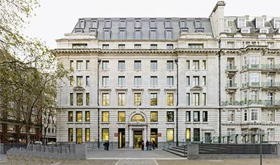 英国盛产百万富翁的大学