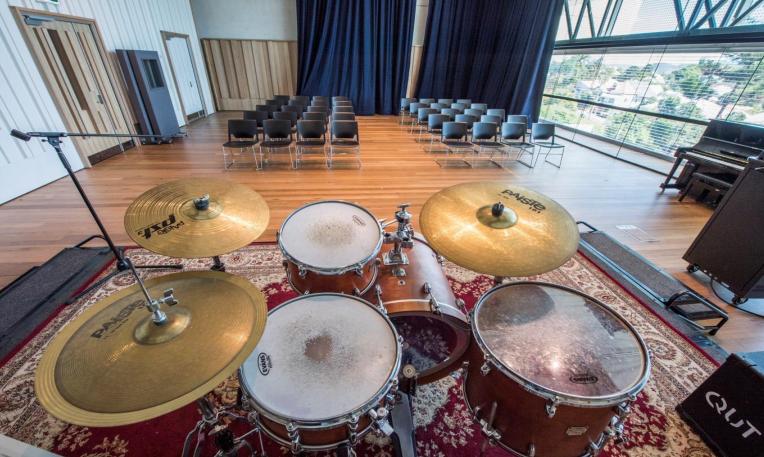 QUT创意产业学院音乐工作室 昆士兰科技大学传播专业 澳洲M88 艾迪M88