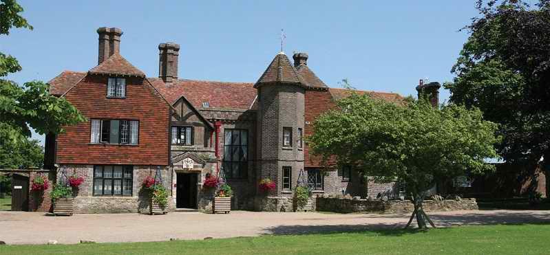 英国留学,英国中学,私立中学,男女混校,寄宿中学,巴克斯伍德学校