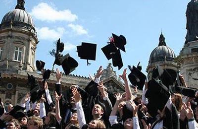 英国留学二年制本科