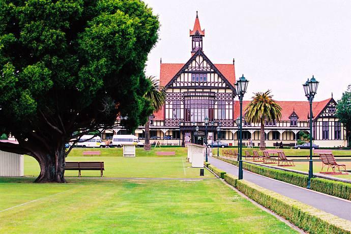 新西兰大学QS排名,新西兰留学性价比,新西兰留学费用,新西兰大学
